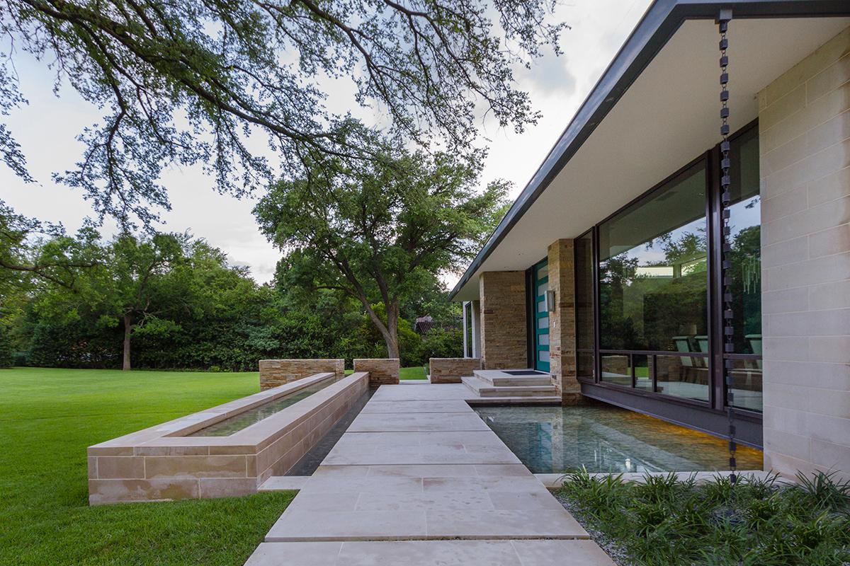 Dallas garden design studio for Garden studio design